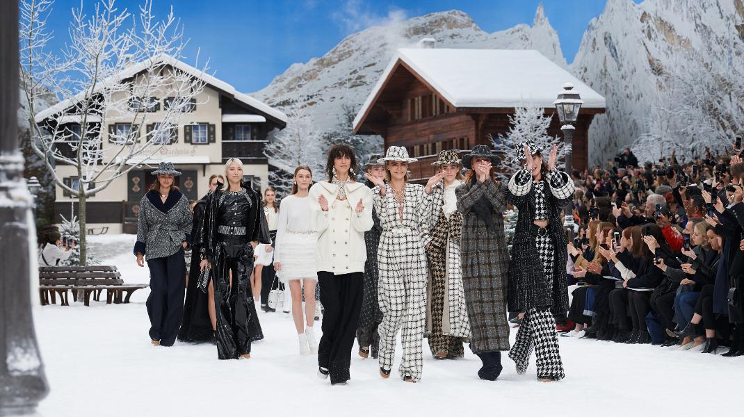 Το μεγαλειώδες αντίο της Chanel στον Karl Lagerfeld -Η τελευταία του συλλογή