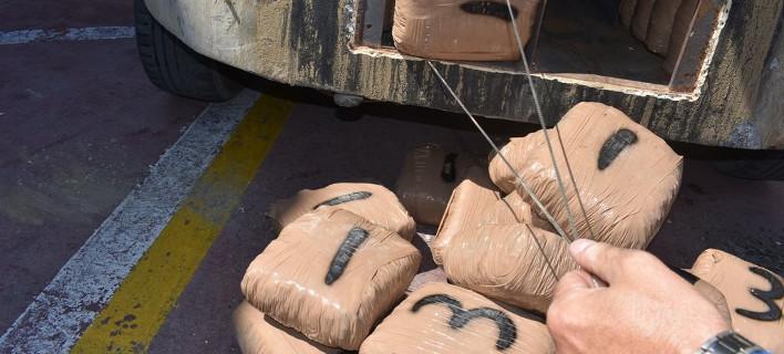 Κατασχέθηκαν 53 κιλά χασίς και συνελήφθησαν 2 Αλβανοί /Φωτογραφία astynomia.gr