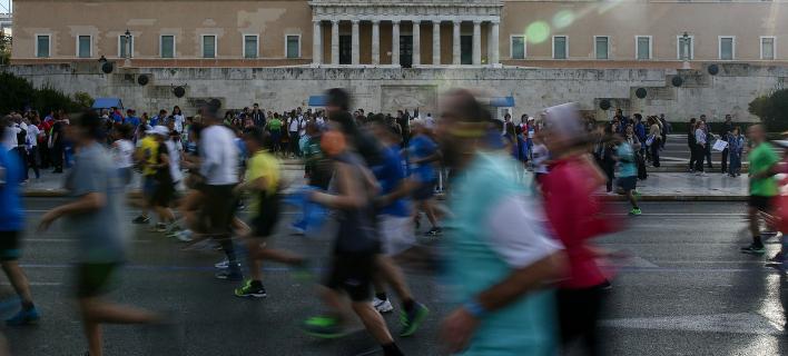 Ο 35ος Μαραθώνιος της Αθήνας μέσα από τον φωτογραφικό φακό -«Γιορτή»με 50.000 δρομείς [εικόνες]