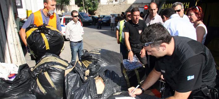Αστυνομικοί της ΕΛΑΣ και της Δημοτικής Αστυνομίας Πειραιά, φωτογραφία: eurokinissi