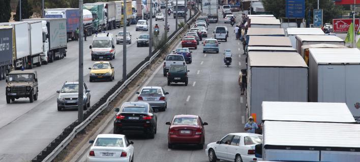 Απαγόρευση κυκλοφορίας φορτηγών, από Παρασκευή, για την έξοδο της 25ης