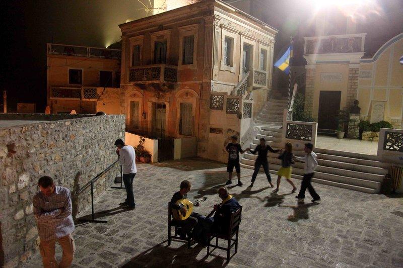 Χοροί στην πλατεία του Ολύμπου/Φωτογραφία: Eurokinissi-Βάιος Χασιαλής