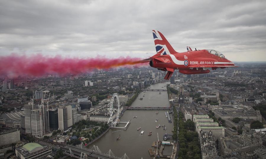 Αεροσκάφος της RAF πάνω από τη βρετανική πρωτεύουσα-Φωτογραφία: SAC ROSE BUCHANAN RAF / BRITISH MINISTRY OF DEFENCE