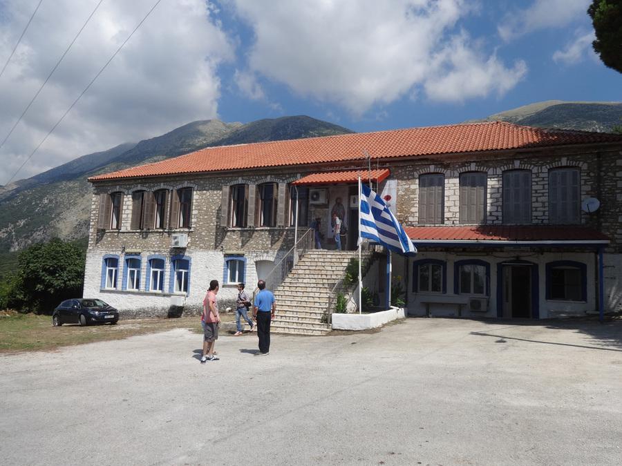 Το μουσείο στεγάζεται στο πετρόχτιστο σχολέιο