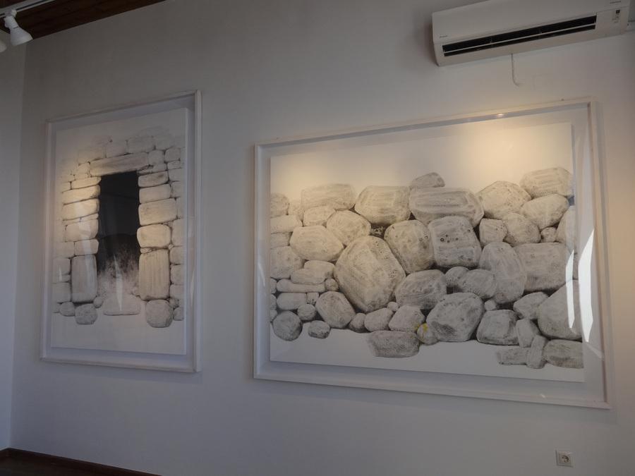 Το μουσείο φιλοξενεί δημιουργίες του καλλιτέχνη Σωτήρη Σορόγκα, ο οποίος κατάγεται από την περιοχή