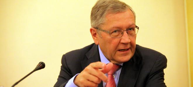 Ρέγκλινγκ: Το ΔΝΤ δεν θα φύγει από την Ελλάδα -Ζητούν την παραμονή του οι άλλες