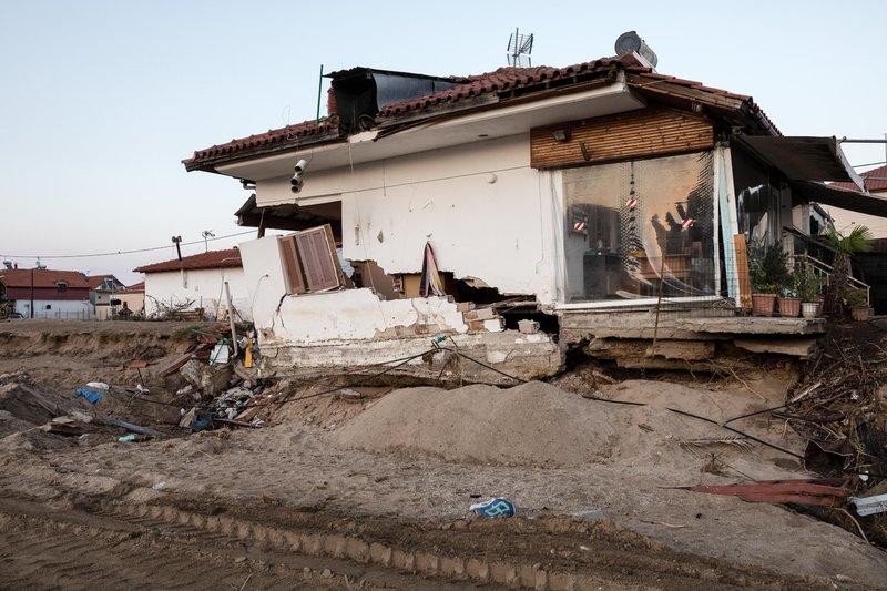 Το σπίτι που καταστράφηκε παραμένει χαλάσματα