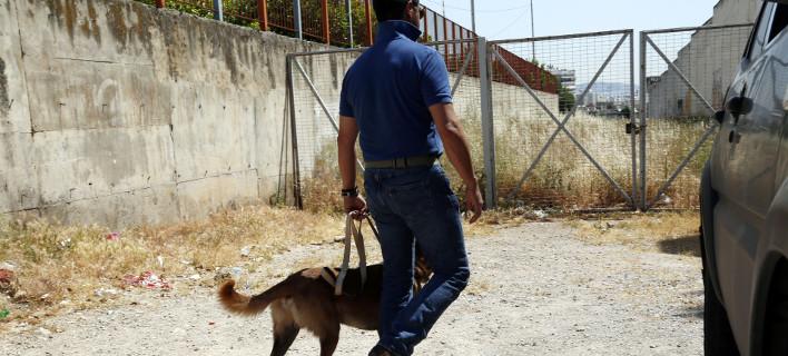 Ο συλληφθείς οδηγείται στον αρμόδιο εισαγγελέα, Φωτογραφία: eurokinissi