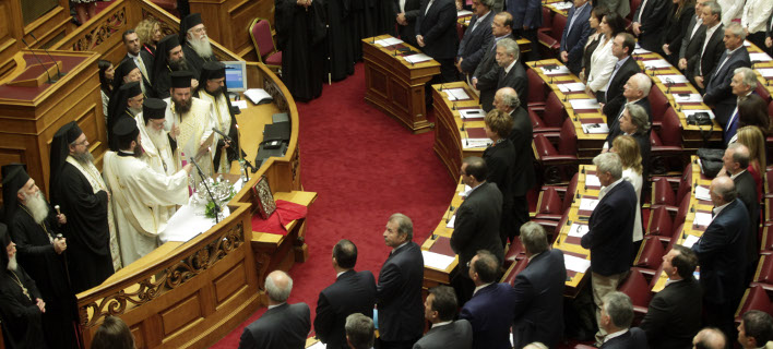 Ορκίστηκαν οι 300 -Ποιοι μπαίνουν για πρώτη φορά στη βουλή [εικόνες & βίντεο]