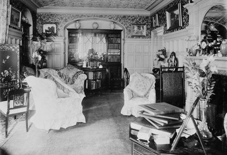Ενα από τα καθιστικά δωμάτια του York Cottage /Οκτώβριος του 1897