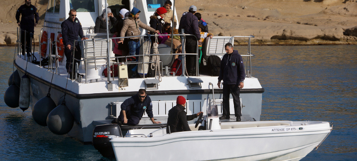 Μεταφέρθηκαν στο λιμένα Σκάλας Συκαμινέας, φωτογραφία: eurokinissi