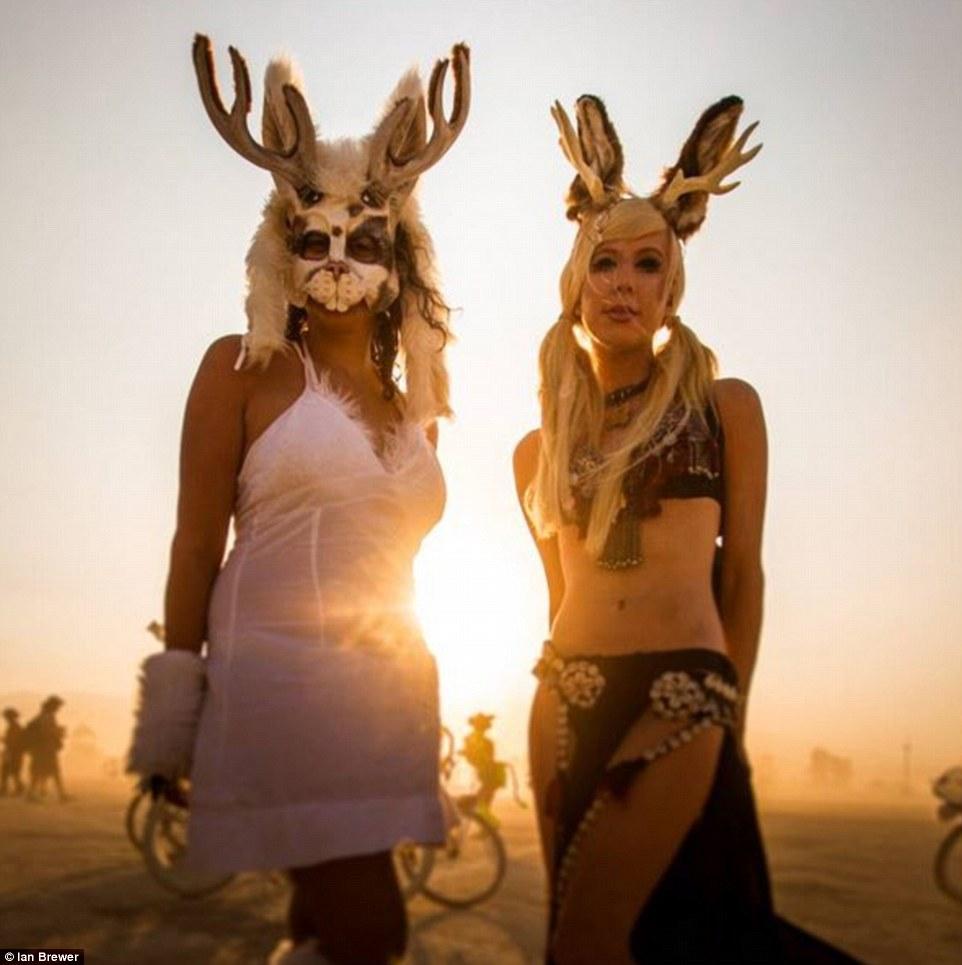Burning Man Festival: Τα σύγχρονα Σόδομα και Γόμορα - Οργια μέσα στην έρημο [εικόνες & βίντεο] | iefimerida.gr 1