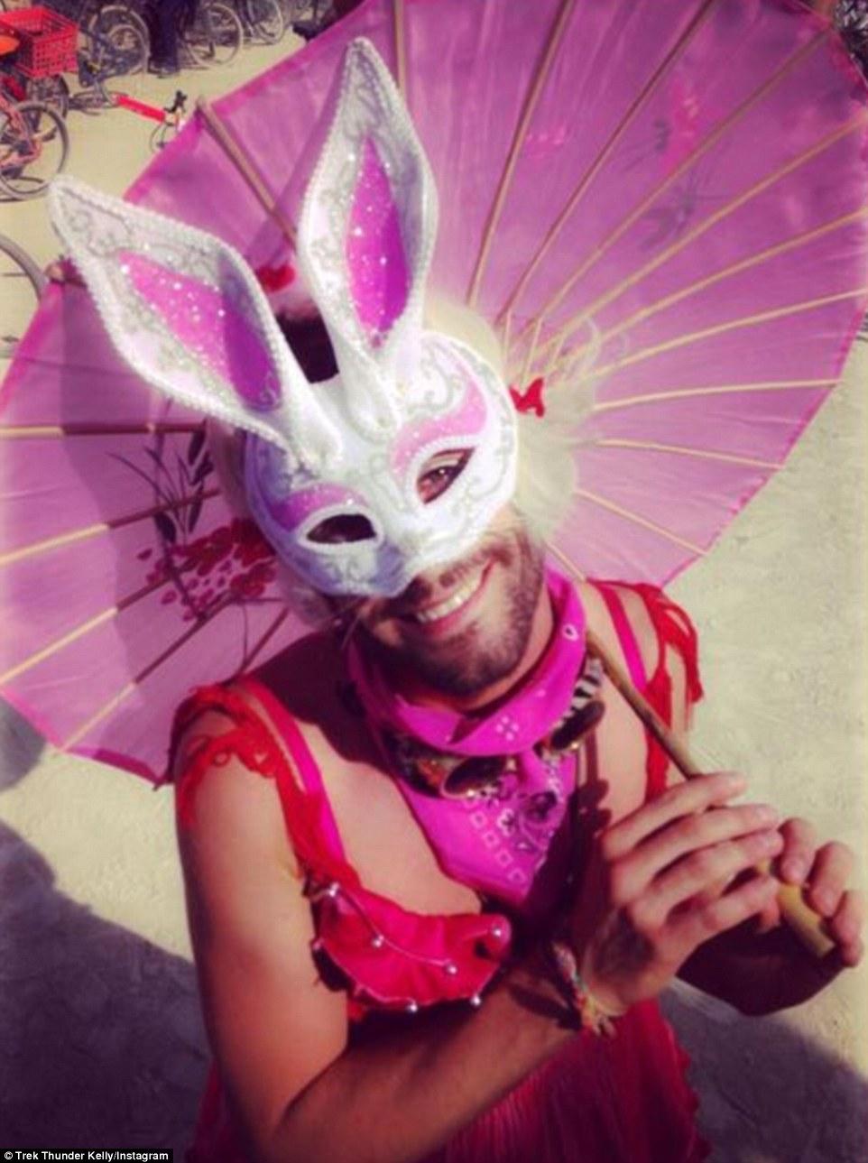 Burning Man Festival: Τα σύγχρονα Σόδομα και Γόμορα - Οργια μέσα στην έρημο [εικόνες & βίντεο] | iefimerida.gr 3