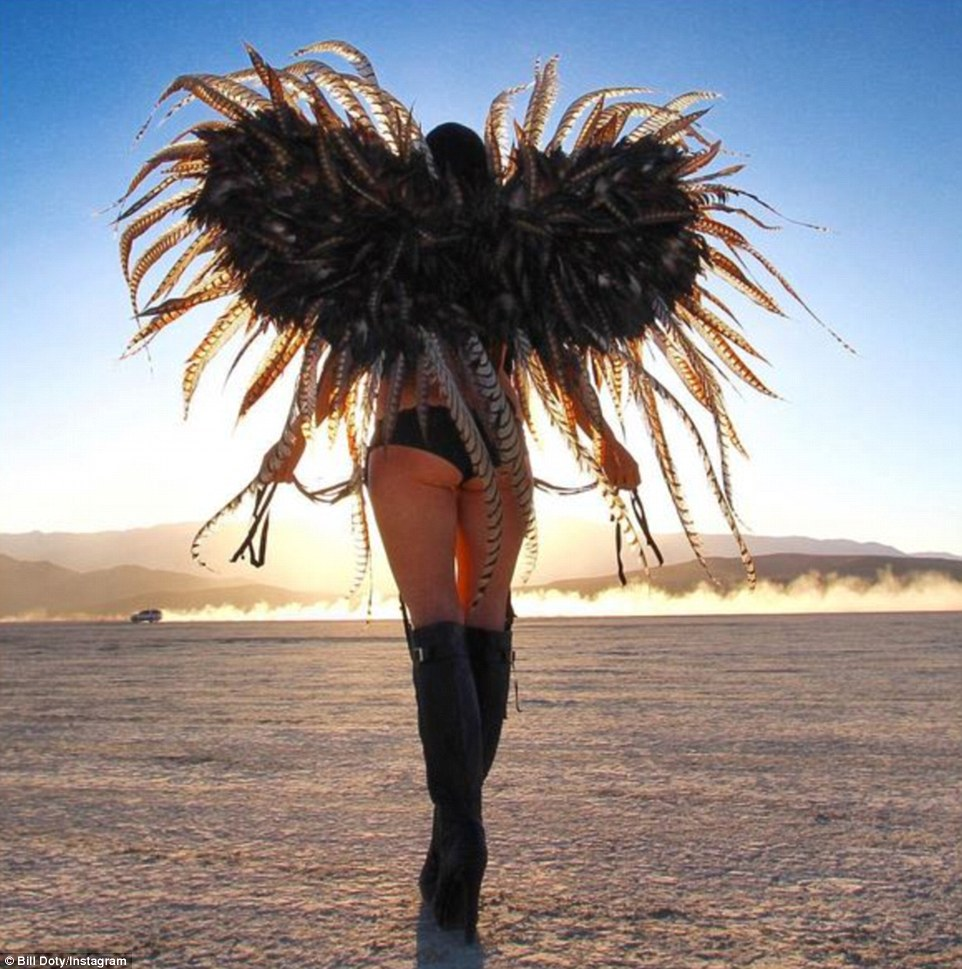 Burning Man Festival: Τα σύγχρονα Σόδομα και Γόμορα - Οργια μέσα στην έρημο [εικόνες & βίντεο] | iefimerida.gr 0