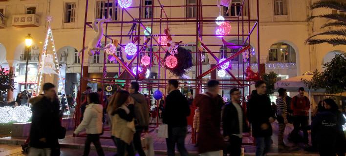 Θα επιστρέψει το Χριστουγεννιάτικο δέντρο στην πλατεία Αριστοτέλους, φωτογραφία αρχείου: eurokinissi