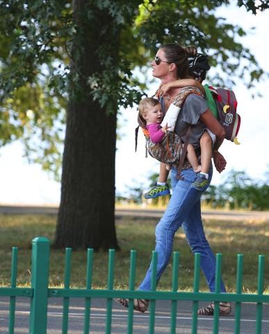 Αντζελίνα Tζολί, Ζιζέλ, Kέιτ Μος: Ετσι πάνε οι διάσημες τα παιδιά τους σε σχολεία και δραστηριότητες [εικόνες]
