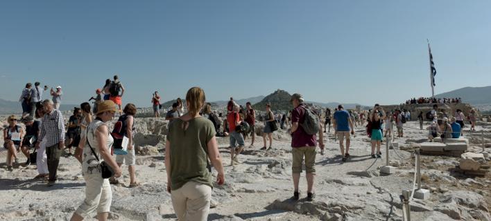«Σφύζει» από τουρίστες η Αθήνα, EUROKINISSI/ ΤΑΤΙΑΝΑ ΜΠΟΛΑΡΗ