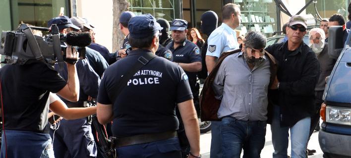 Τον δρόμο για τη φυλακή πήραν και οι 7 συλληφθέντες (Φωτογραφία: EUROKINISSI/ΣΤΕΛΙΟΣ ΡΑΠΑΝΗΣ)