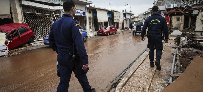 Ολες οι δυνάμεις σε Μάνδρα και Νέα Πέραμο, φωτογραφίες: EUROKINISSI//ΓΙΑΝΝΗΣ ΠΑΝΑΓΟΠΟΥΛΟΣ