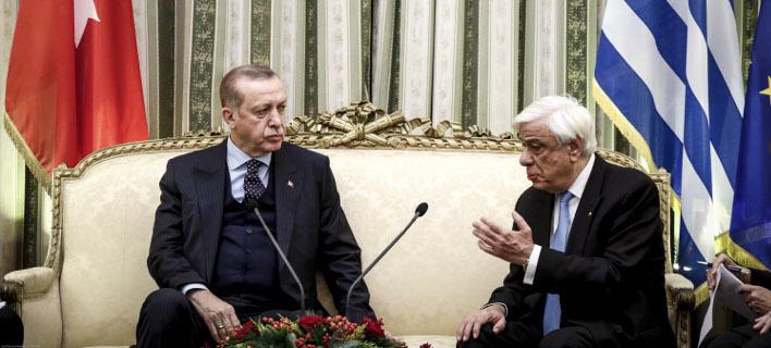 «Τις εγκάρδιες ευχές του, για την ευημερία, υγεία και ευτυχία του Ελληνικού Λαού». φωτογραφία: eurokinissi