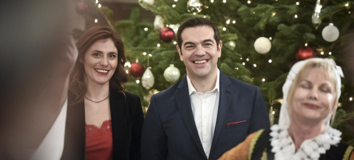"""Το Πρωτοχρονιάτικο μήνυμα του Αλέξη Τσίπρα στους Έλληνες: """"Χρόνος-ορόσημο για την Ελλάδα το 2018"""""""