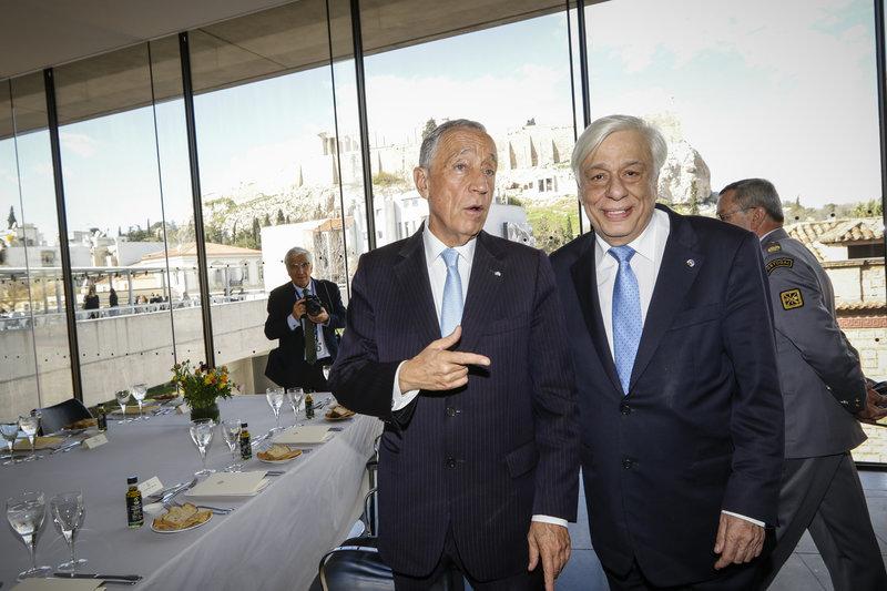 Στο Μουσείο της Ακρόπολης ο Πορτογάλος Πρόεδρος -Μαγεύτηκε από τη θέα