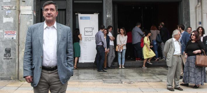 Αρχή με την πλ. Θεάτρο και ακολουθούν τα καταστήματα στη Στοά Εμπόρων, φωτογραφία: Eurokinissi /ΔΗΜΗΤΡΟΠΟΥΛΟΣ ΣΩΤΗΡΗΣ