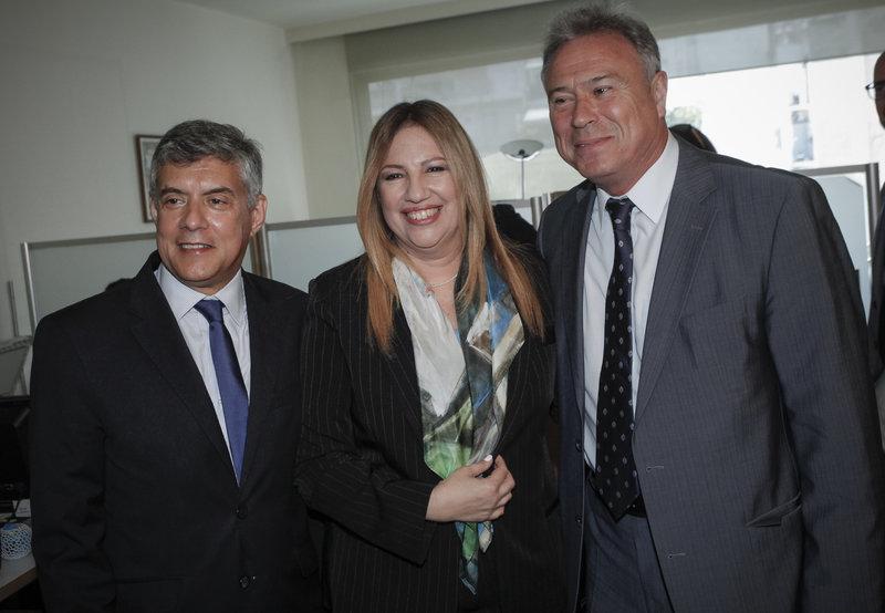 Ο Κ. Αγοραστός, η Φ. Γεννηματά και ο Γ. Σγουρός -Φωτογραφίες: Eurokinissi/ ΧΡΗΣΤΟΣ ΜΠΟΝΗΣ