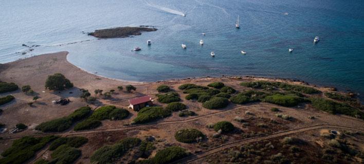 Γαλαζοπράσινα νερά, φωτογραφίες: ΑΝΤΩΝΗΣ ΝΙΚΟΛΟΠΟΥΛΟΣ/EUROKINISSI