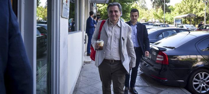 ll Manifesto: Η Ελλάδα βγαίνει από τα μνημόνια λιτότητας -Οι πιστωτές θα κάνουν ελέγχους κάθε τρεις μήνες