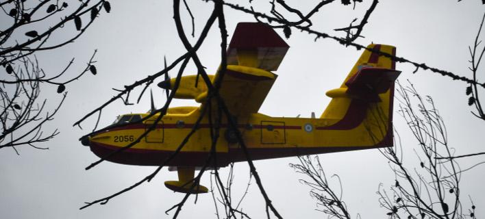 Σε ύφεση η φωτιά στη Ζάκυνθο - Υπό μερικό έλεγχο σε Πάρο και Εύβοια