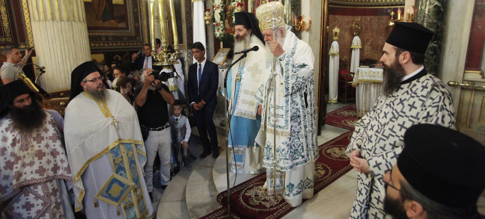 «Ολος ο κόσμος να έχει την ευλογία της Παναγίας», Φωτογραφίες: eurokinissi ΧΡΗΣΤΟΣ ΜΠΟΝΗΣ