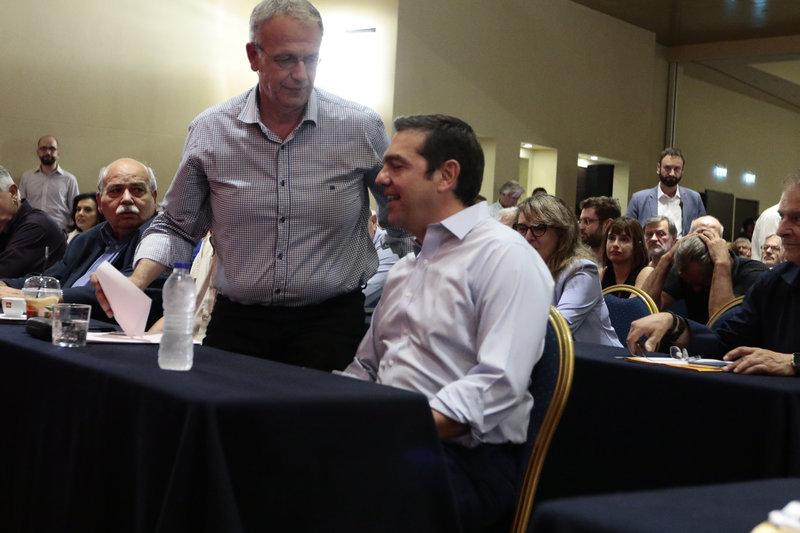 Ο Αλέξης Τσίπρας ευχαρίστησε τον απερχόμενο γραμματέα του ΣΥΡΙΖΑ Π. Ρήγα