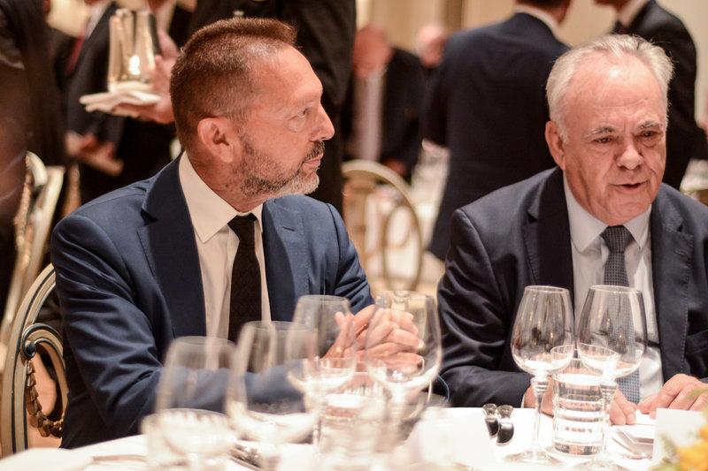 Ο διοικητής της ΤτΕ Γιάννης Στουρνάρας (αριστερά) με τον αντιπρόεδρο της κυβέρνησης Γιάννη Δραγασάκη -Φωτογραφίες: EUROKINISSI/ΛΥΔΙΑ ΣΙΩΡΗ