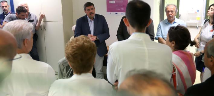 Την 4η και 5η Τοπική Μονάδα Υγείας εγκαινίασε ο υπουργός Υγείας, Ανδρέας Ξανθός, φωτογραφία: eurokinissi ΤΡΥΨΑΝΗ ΦΑΝΗ