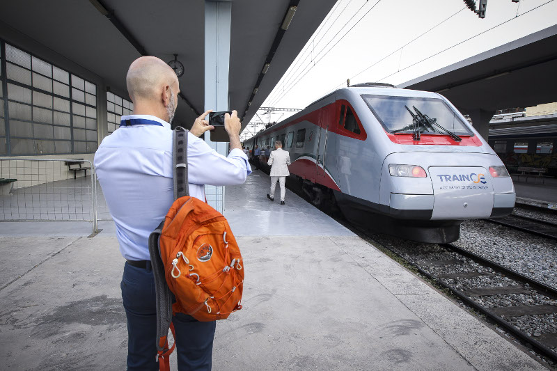Παρουσίαση του νέου τρένου της ΤΡΑΙΝΟΣΕ «Ασημένιο βέλος»