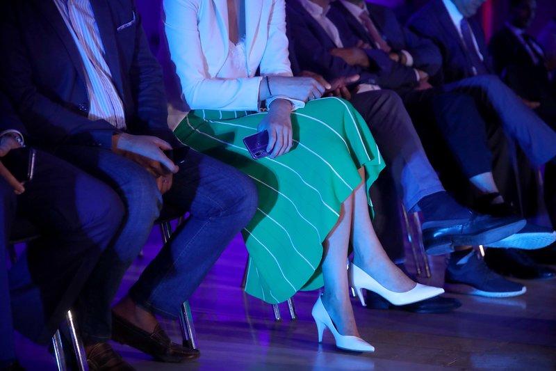 Η οποία μάλιστα κέντρισε τα βλέμματα με την πράσινη ριγέ φούστα της!