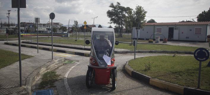 Παρουσιάστηκαν σήμερα 5 τρίκυκλα και 5 τετράκυκλα οχήματα φωτογραφίες: EUROKINISSI/ΘΑΝΑΣΗΣ ΚΑΛΛΙΑΡΑΣ