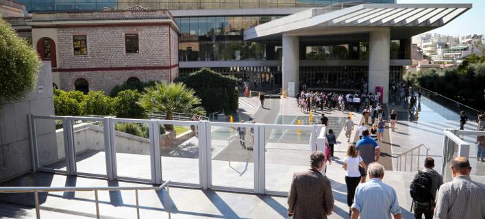 Μοναδική διέξοδος σήμερα το Μουσείο Ακρόπολης, φωτογραφία: Eurokinissi / ΒΑΣΙΛΗΣ ΡΕΜΠΑΠΗΣ