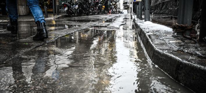 Βροχή, φωτογραφία: EUROKINISSI/ΤΑΤΙΑΝΑ ΜΠΟΛΑΡΗ