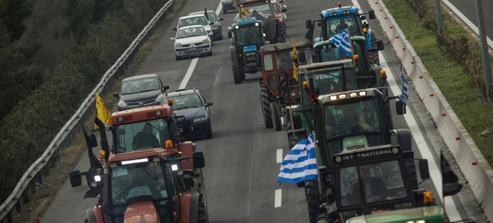 Αγρότες, φωτογραφία: EUROKINISSI/ ΘΑΝΑΣΗΣ ΚΑΛΛΙΑΡΑΣ