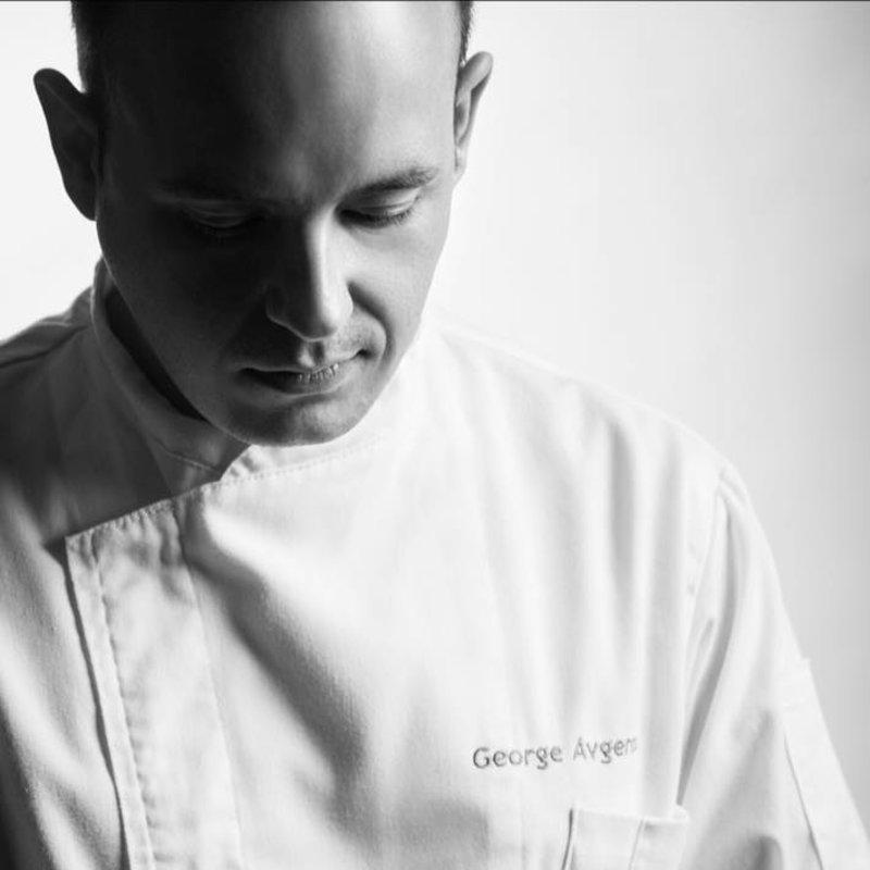 Ο Γιώργος Αυγέρος, executive pastry chef