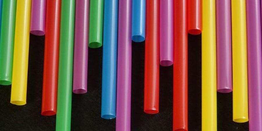 Αντίστροφη μέτρηση για τα πλαστικά μίας χρήσης /Φωτογραφία: AΡ