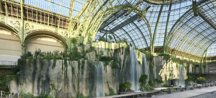 Ανακαίνιση αλά Chanel του Grand Palais -Το εμβληματικό κτίριο του Παρισιού με την «κεντητή» οροφή [εικόνες & βίντεο]