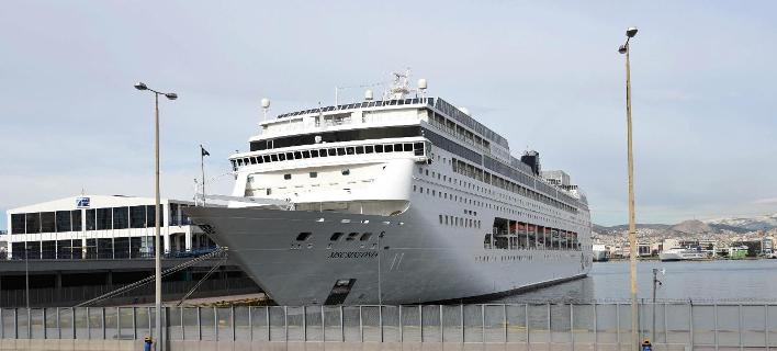 Κρουαζιερόπλοιο στο λιμάνι του Πειραιά (Φωτο αρχείου: Eurokinissi)
