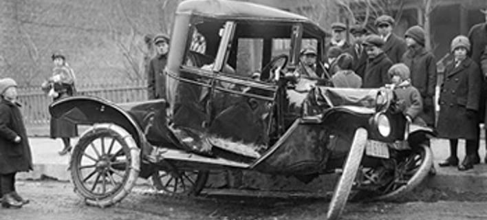 Σαν σήμερα έγινε το πρώτο θανατηφόρο τροχαίο -Αυτοκίνητο με 6 χλμ. παρέσυρε γυναίκα [εικόνες]