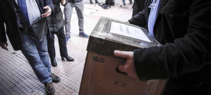 Την Τρίτη η αποσφράγιση των φακέλων για τις τηλεοπτικές άδειες (Φωτογραφία: EUROKINISSI/ΣΤΕΛΙΟΣ ΜΙΣΙΝΑΣ)