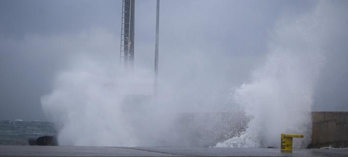 Εως 130 χλμ./ ώρα οι άνεμοι/ Φωτογραφία: EUROKINISSI- ΘΑΝΑΣΗΣ ΔΗΜΟΠΟΥΛΟΣ