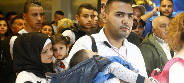 πρόσφυγες στο αεροδρόμιο/Φωτογραφία: Eurokinissi