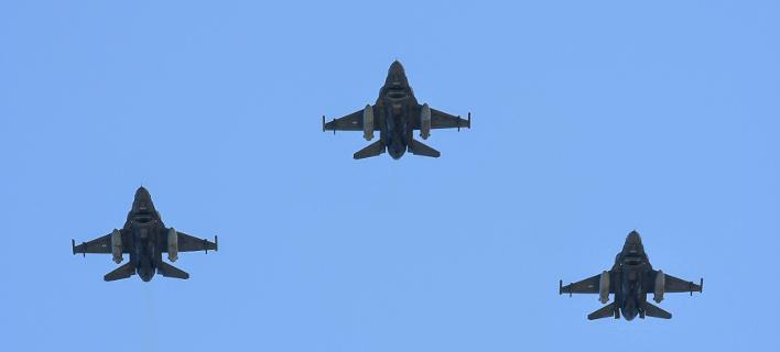 Αεροσκάφος πολεμικής αεροπορίας/ Φωτογραφία intime